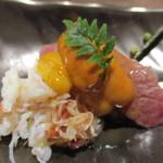 100331369 - 牛寿司、うに、タラバの先付