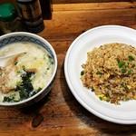 100333458 - 炒飯セット(熟成塩らーめん)