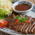 クワンチャイ タイ食堂茶屋町店 - 牛肉のタイ風ステーキ
