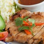 クワンチャイ タイ食堂茶屋町店 - 豚トロのステーキ