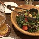 100337128 - アボカドとルッコラと15種類のグリーンサラダ