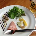 100337203 - ランチセットの前菜。