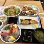 100339711 - 海鮮丼、じゃこサラダ、カキフライ、ブリ塩焼き