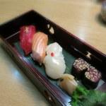 奥州秋保温泉 蘭亭 - 御食事:握り寿司 南高梅しそ包み 梅がり