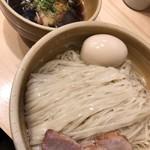 迂直 - 料理写真:特製鰹昆布出汁つけ麺大盛り