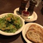 パスタ キッチン - ランチセット サラダ&パン 300円