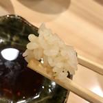 鮨 乃すけ  - 赤酢のシャリ