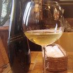パーレンテッシ - グラス白ワイン・オリーブオイル