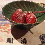 100350148 - 「苺のミント添え」デザート