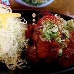 炭火焼豚丼 信玄 - トンテキせっと250gは、お肉に迫力があります(*゚▽゚)ノ
