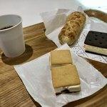 100354167 - サクサクパイ マルセイアイスサンド 雪こんチーズ
