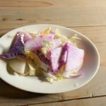 アズマネ倉庫 - 蕪?と白菜のサラダ