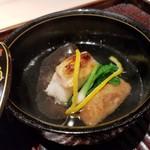 100361454 - 白甘鯛 蓮根餅 木耳 蕪 柚子のお椀