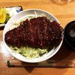 100367844 - 名古屋名物味噌カツ丼 800円