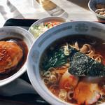 中華料理 香新 - ラーメンとミニ天津丼