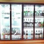 京とあん - 京とあんのセラーは、嬉しい京地酒や全国の銘酒が勢ぞろい。実際にセラーを見ながらもお選び頂けます。