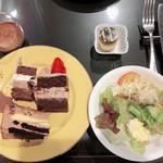 100370867 - 野菜から食べる事で血糖値スパイクを回避(超重要)