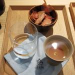 日本酒とおつまみ chuin - 生ハムみたいな食べる削り節200円