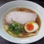 中華そば 無限 - 料理写真:【(限定) 名古屋コーチン丸鶏100%の鶏白湯】¥1000