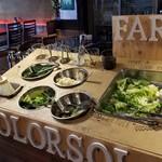 COLORSOL RESORT - ランチのサラダ