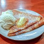 ポポット - 料理写真:■バター砂糖のクレープ 756円 アイスクリームのトッピング(+324円)