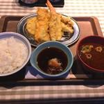 100386625 - 鮭と旬の野菜の天ぷら定食 990円