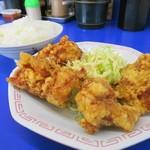 来来亭 - カラアゲ定食のカラアゲ、ボリューム満点!