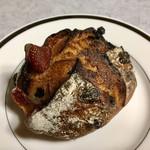 パンやきどころ RIKI - フレーズ オランジェ レザン72 ¥280+税
