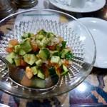Boruboru - BolBolサラダ。酸味(ライム果汁?)が効いてて美味しい!