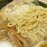 北海道らーめん 壱龍 - 麺のアップ