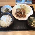 100397844 - 豚のしょうが焼き定食¥1000。