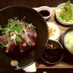 100399047 - 名物 本鰹のタタキ丼