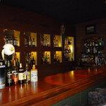 Bar Ladrillo - オシャレなカウンター♪珍しいお酒も置いてありますよ!