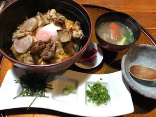 小林 地鶏の里 - 親子孫丼1,598円