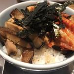かみなり中華そば店 - 賄いキムチチャーシュー丼(270円)