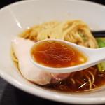 麺や福はら - あっさり味の鶏の旨みが最高のスープです