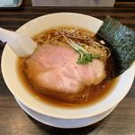 らーめん 稲荷屋 - 料理写真:醤油ラーメン(700円) 2019.1