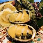 神祗院 - 爆食い、冬、春、夏  は海鮮皿がついてきます。アワビもあります
