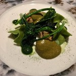 ラ ソスタ - 牡蠣とほうれん草