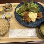 峠の玄氣屋 グングンカフェ - 定食(グングンセット:1180円:外税)のメインは「チキン南蛮」または「鯖」でしたので「チキン南蛮」をチョイス。