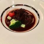 北山モノリス - 牛肉の赤ワイン煮