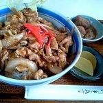 べるみ - 豚の生姜焼き丼(日替わり)