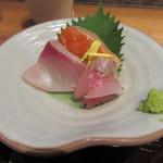 産直青魚専門 新宿 御厨 - お刺身