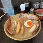 100432211 - 北海道味噌 味噌漬け炙りチャーシュー麺、味玉