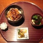 100435570 - 鰻丼