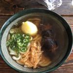 麺楽 - 極上 椎茸うどん   580円