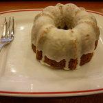 カフェ・ベローチェ - キャラメルケーキ