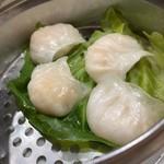 華香楼 - 蝦餃子(海老入り蒸し餃子)