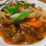 華香楼 - 糖酢排骨(豚の骨つき肉の甘酢)