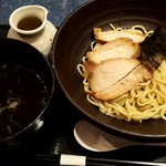 100442548 - あっさりつけ麺(チャーシュー増量・煮卵付)